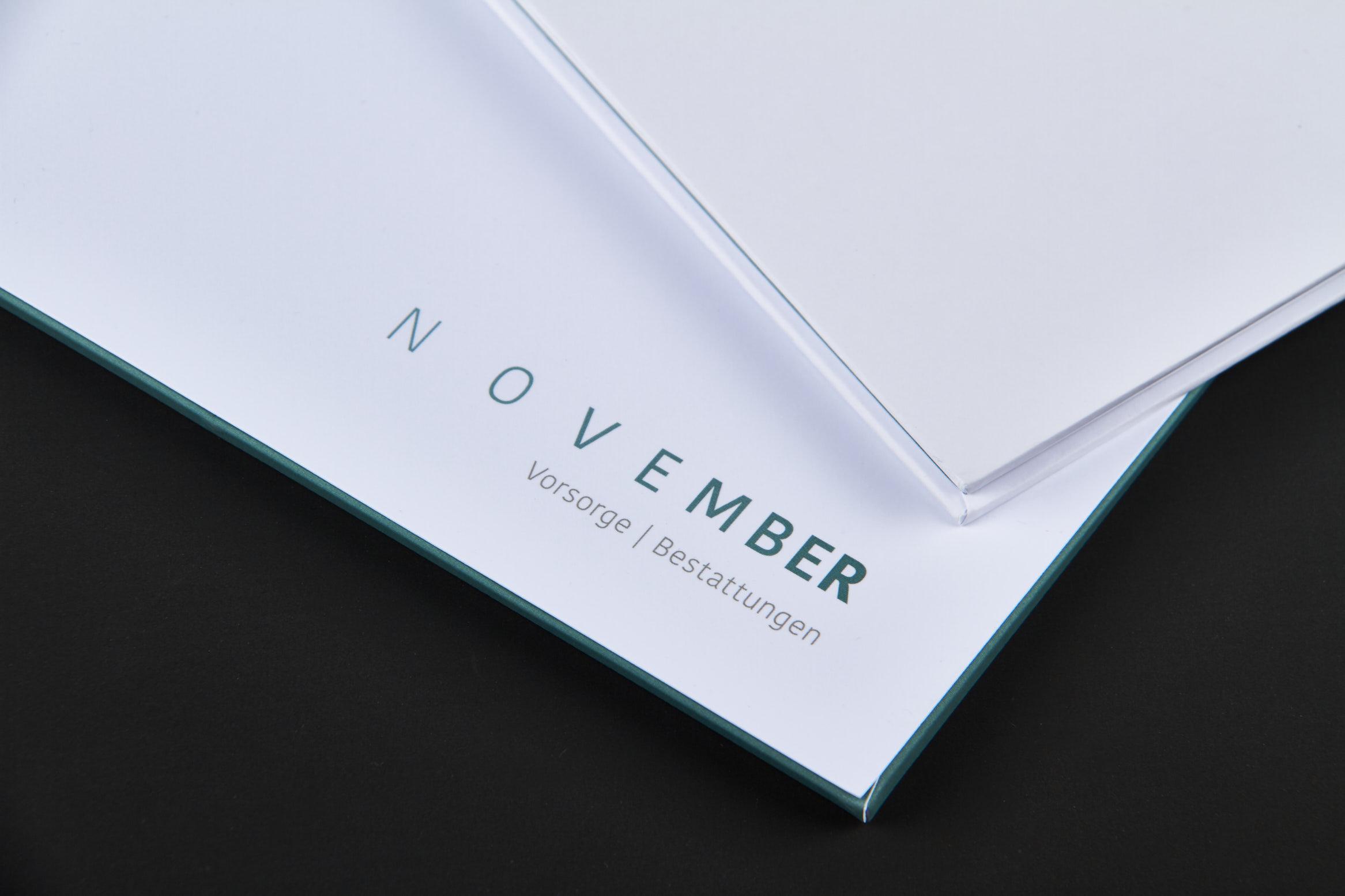 November Bestattung 2347